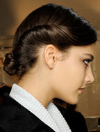 Модная прическа 2018, фото. Женская прическа на средние волосы