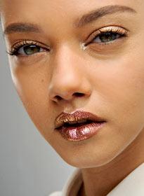 Блестящий макияж от Christian Dior