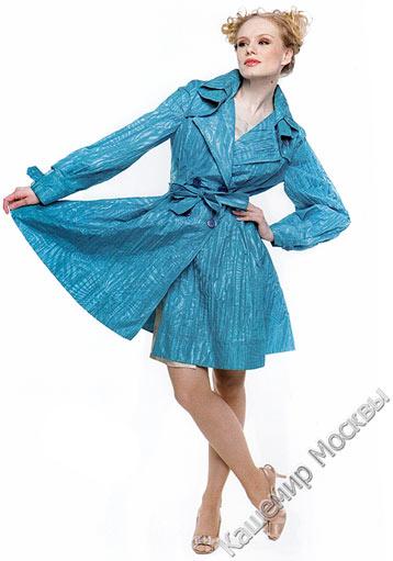 Рамые модные и стильные женские плащи
