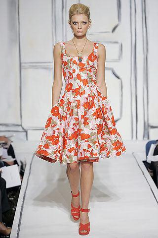 Вечерние платья весна-лето 2009 от Oscar de la Renta.