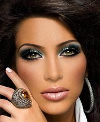 На фото новогодний макияж Сияющий