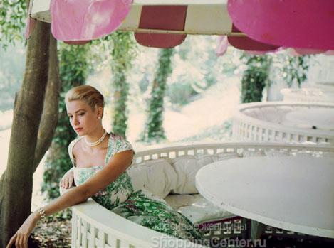 Грейс создала идеальный образ - воздушный и элегантный