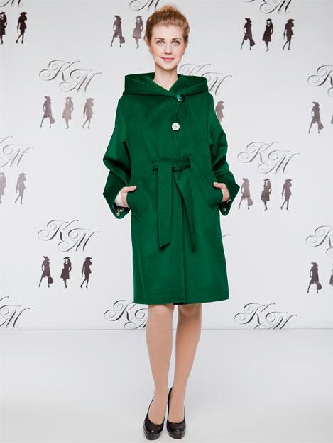 """На фото модное женское пальто изумрудного цвета из весенней коллекции """"Кашемир Москвы"""""""