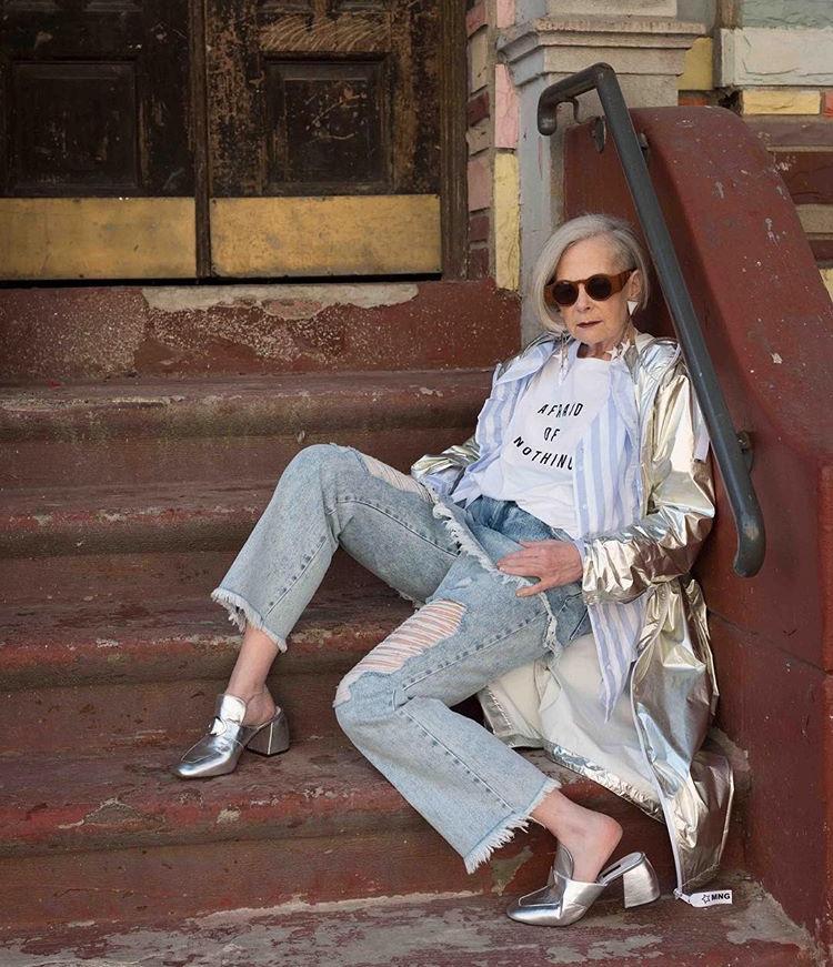 Фото, как одеваться женщинам за 50. Лин Слэйтер