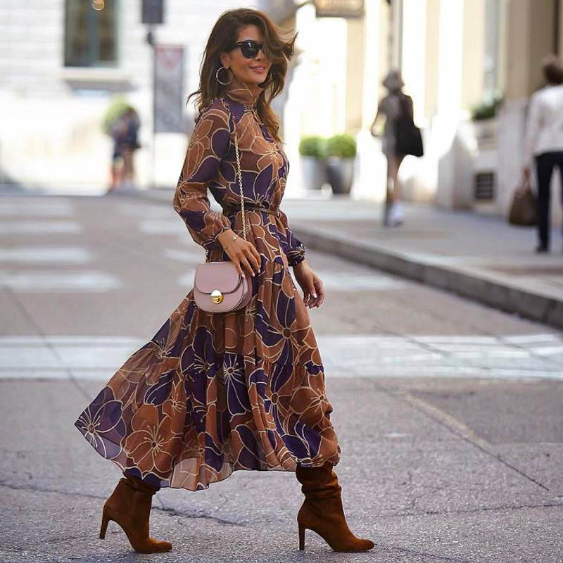 Модный образ: платье с сапогами