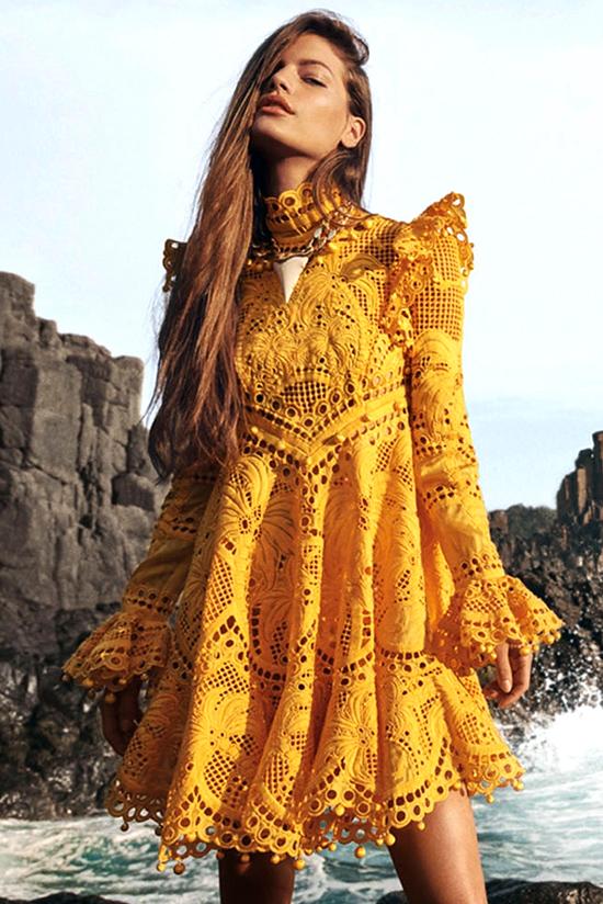 Желтое кружевное платье из коллекции Zimmerman