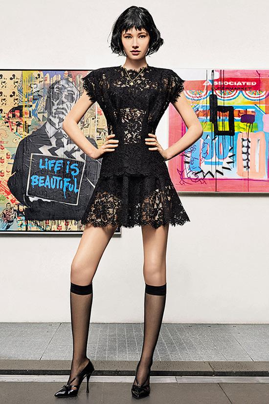 Черное платье из кружев