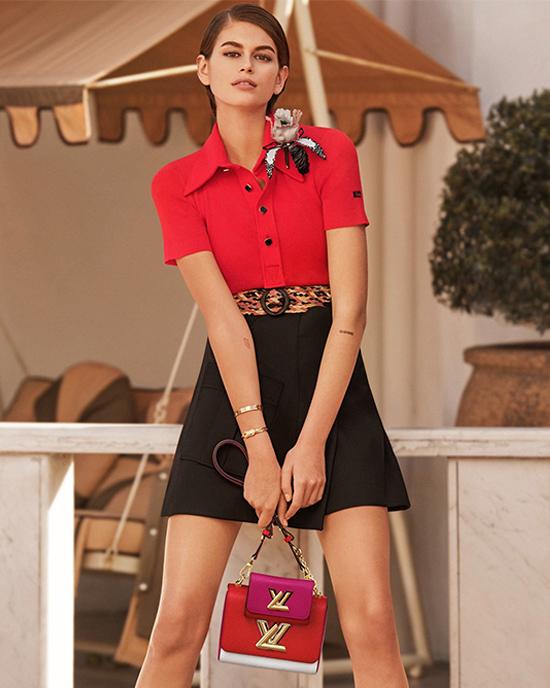 Мода на 2 сумки, фото из коллекции Louis Vuitton