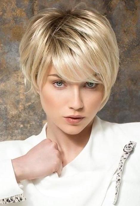 Модная стрижка для коротких волос