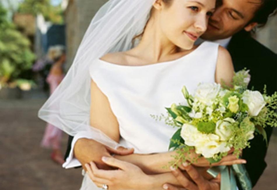 На фото модная свадьба
