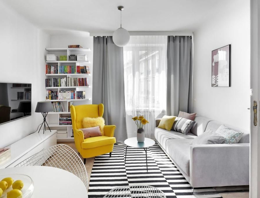 Интерьер комнаты в модных желтых и серых тонах