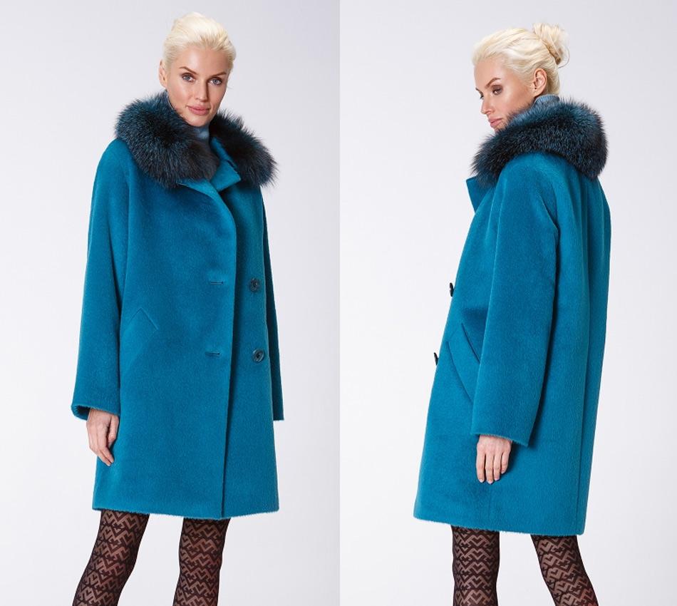 Зимнее пальто голубое