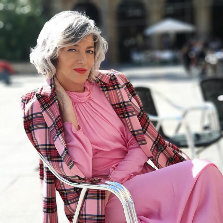 Стильный образ женщины за 60