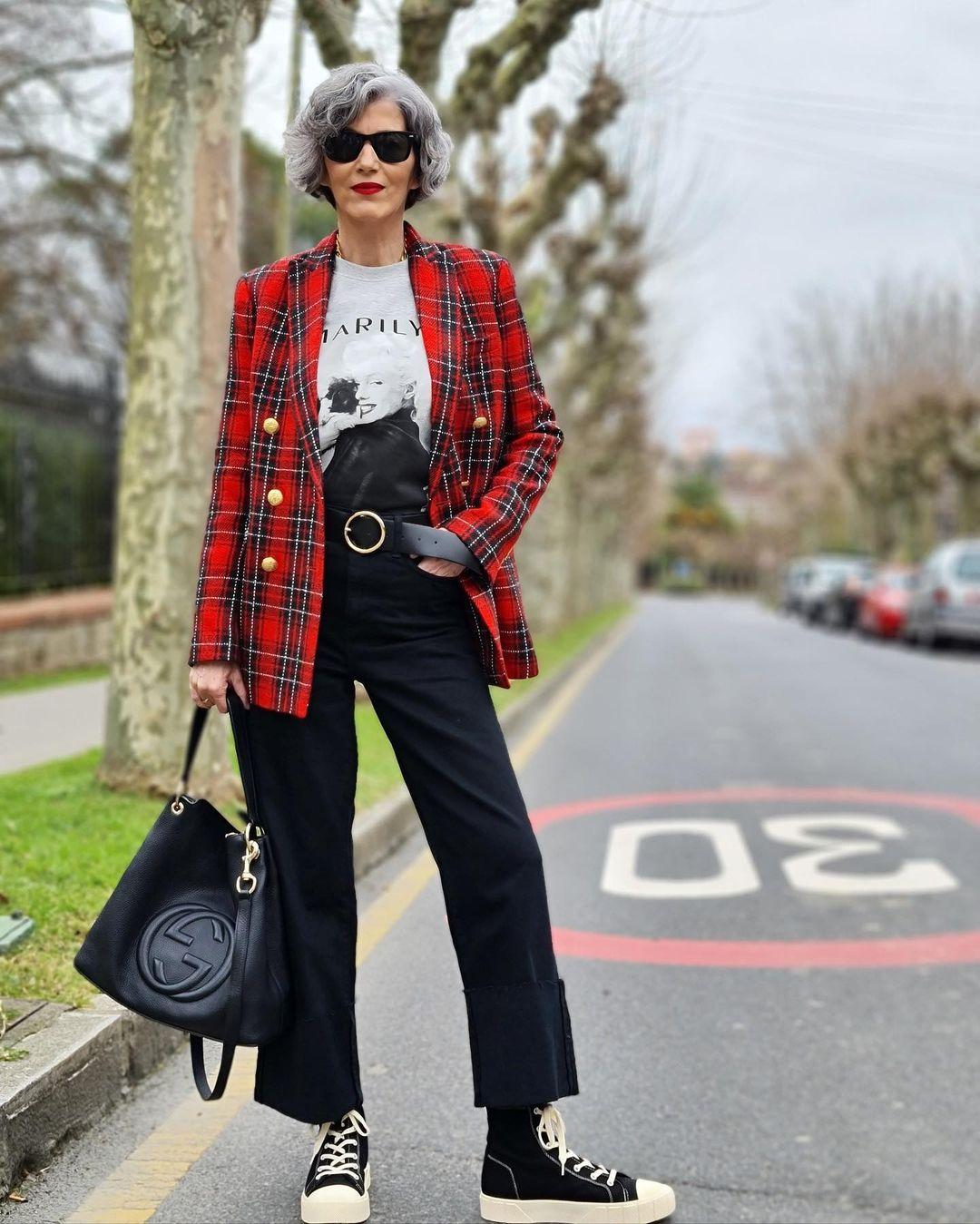 Фото, как одеваться женщине за 60