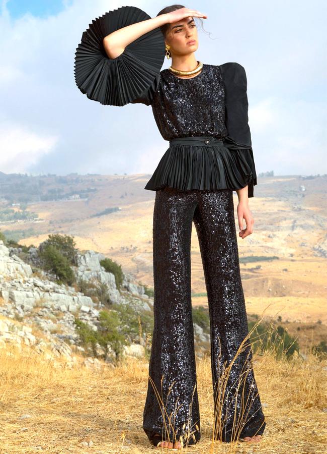 Черный костюм из коллекции Elie Saab